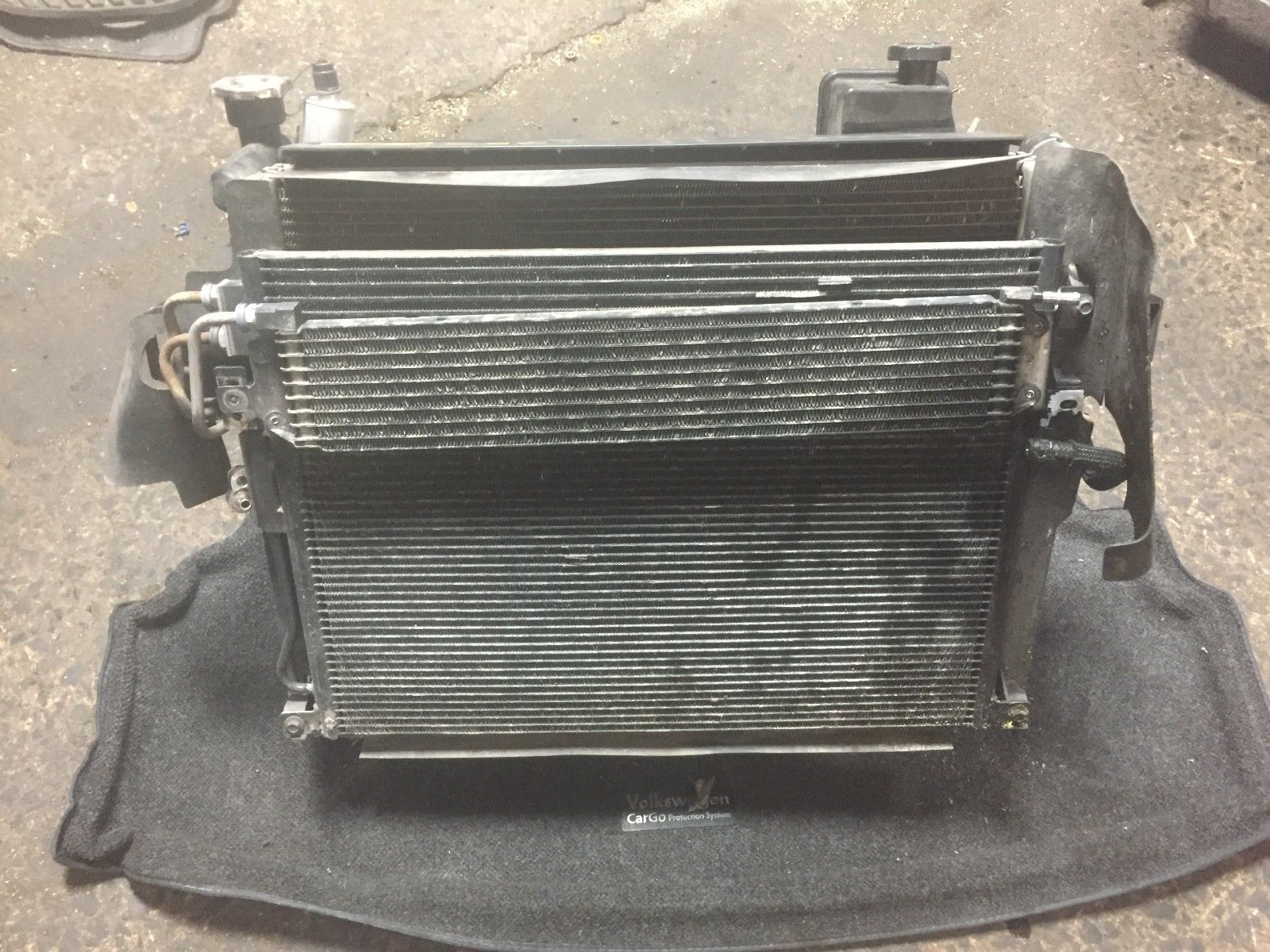 2005 Jeep Grand 5,7V 8 Cherokee Sets Radiator Cooler AC & Fan