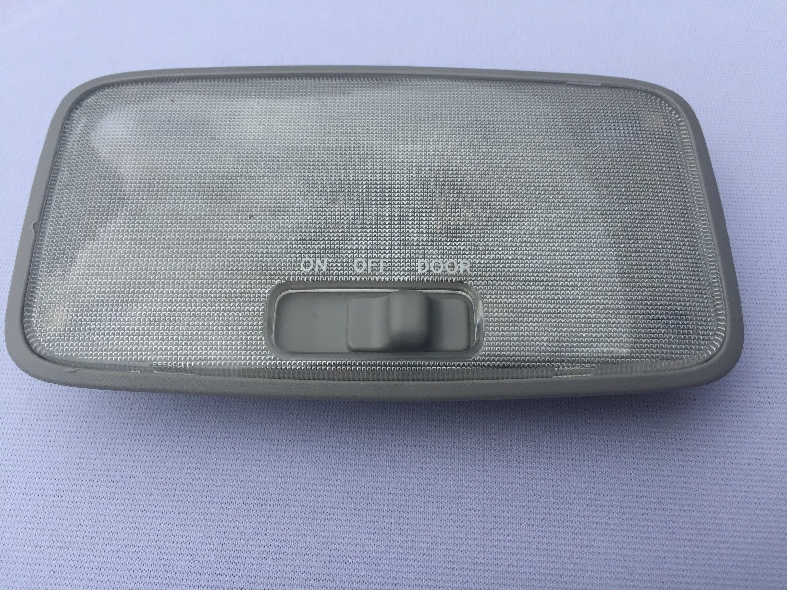 2004-2006 LEXUS RX 330 INTERIOR DOME LIGHT READING OEM