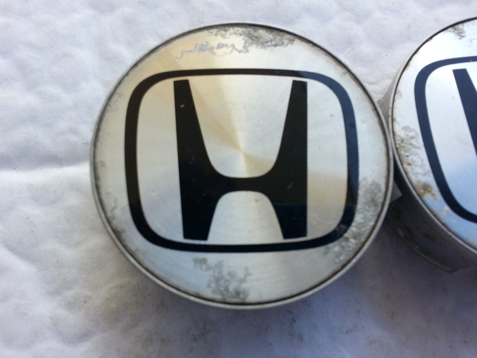 1999-2006 Honda Civic hubcap Center Cap 44732-S50-N910 Lot of 2 44732-S50-N910 st389