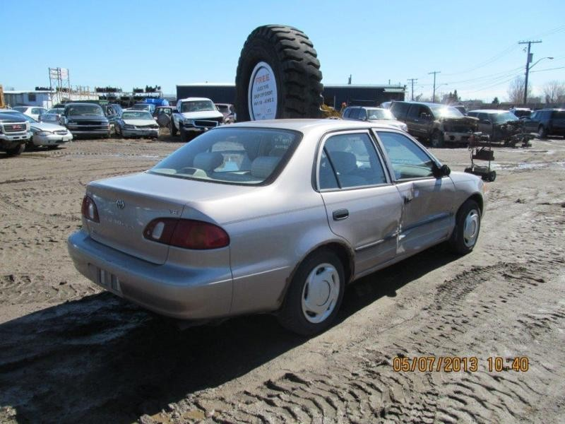 Toyota  TOYOTA COROLLA 1999 For Parts 747755