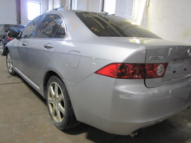 Parting out a 2005 Acura TSX 110173