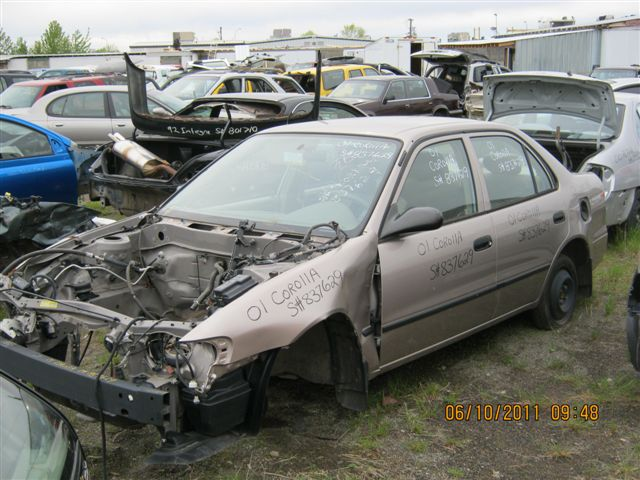 Toyota  TOYOTA COROLLA 2001 For Parts 837629