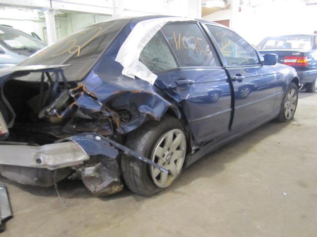 Parting out a 2003 BMW 325i 110252