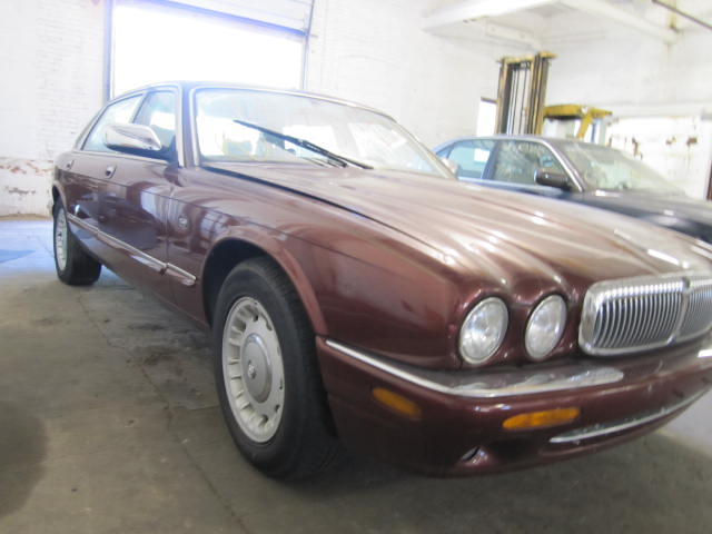 Parting out a 1998 Jaguar XJ8