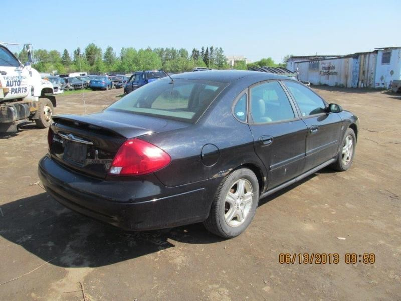 Ford  TAURUS 2001 For Parts