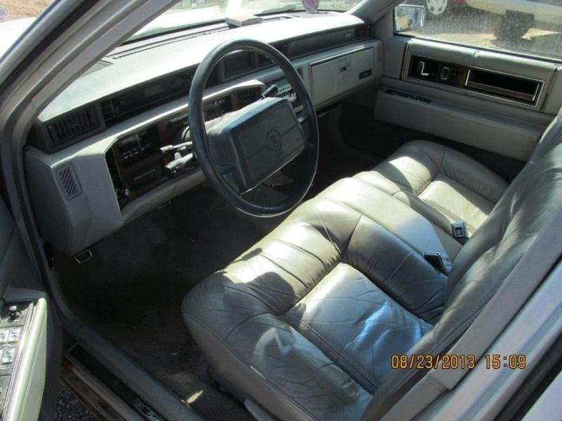 Cadillac  DEVILLE 1993 For Parts