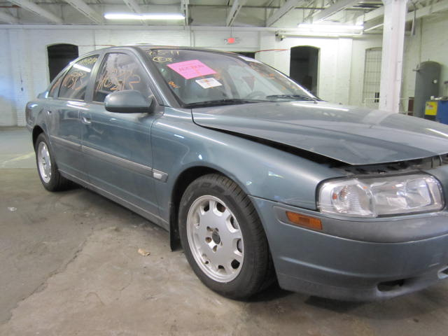 Parting out a 2001 Volvo 80 Series