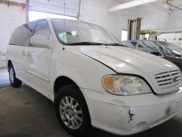 Parting out a 2002 Kia Sedona