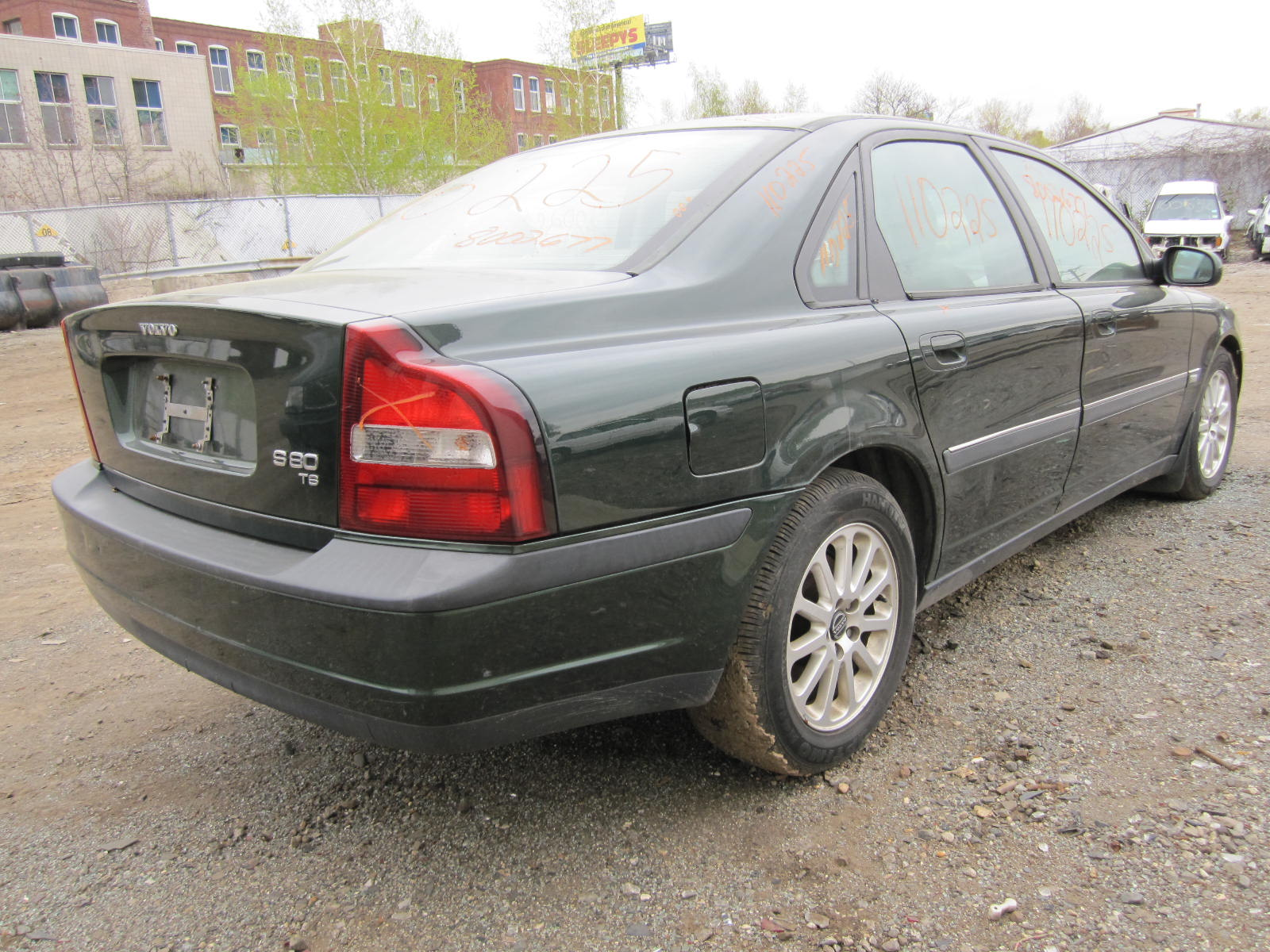 Parting out a 1999 Volvo 80 Series 110225