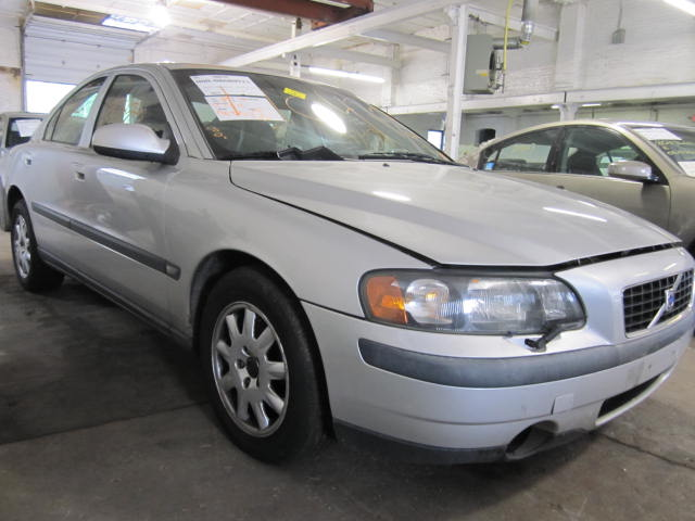 Parting out a 2002 Volvo 60 Series