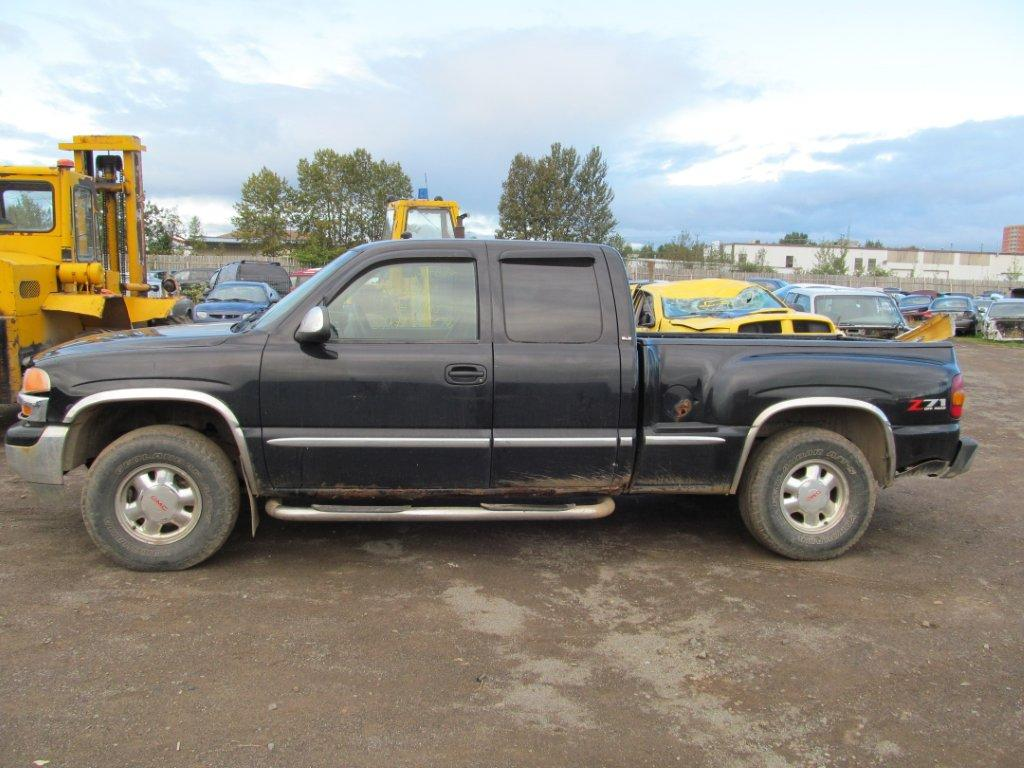 GMC  GMC SIERRA 1500 2000 For Parts 390097