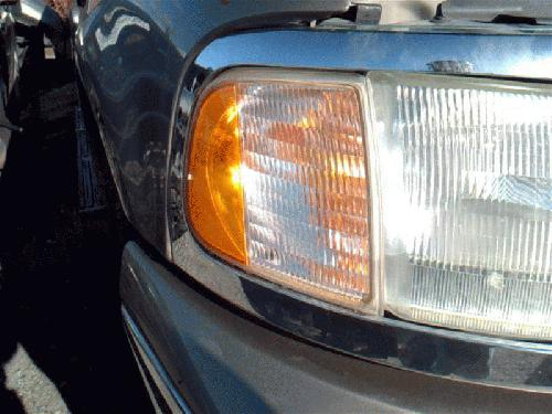 Ford EXPEDITON 2002 Right Side Front Lamp