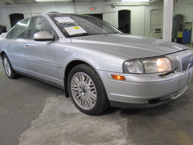Parting out a 2003 Volvo 80 Series