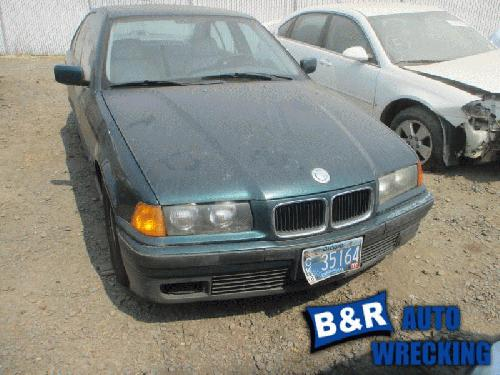 <em>BMW</em> <em>325I</em> 1995 Headrest