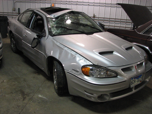 2004 pontiac grand am air cleaner 31477 miles 19847143. Black Bedroom Furniture Sets. Home Design Ideas