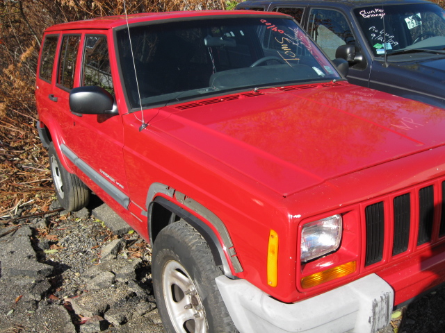 Parting out a 2000 <em>Jeep</em> <em>Cherokee</em>