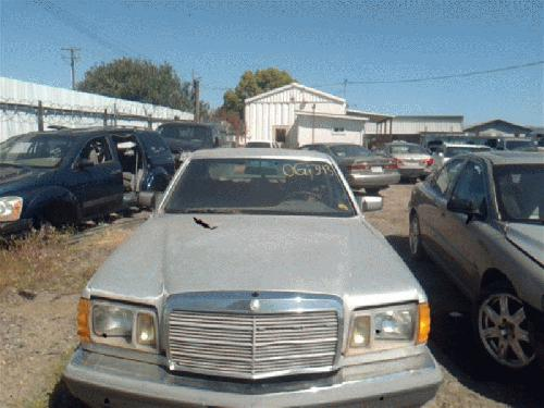 Mercedes-Benz 300CD 1982 Right Side Front Lamp