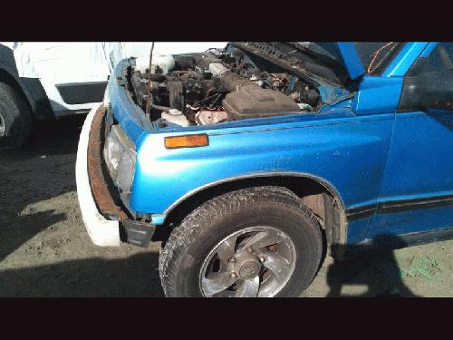 Geo TRACKER 1994 Left Side Fender