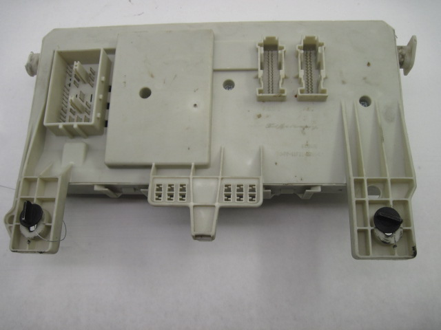 7030D119 0722 43A6 BB68 A7F82E36D9E0 fuse box volvo s40 v40 v50 2006 06 2007 07 30728906 782553 household fuse box at mifinder.co