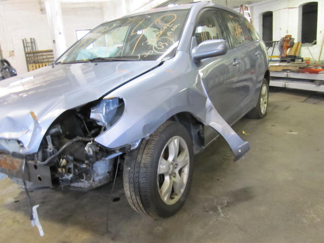 Parting out a 2003 Toyota Matrix 110149