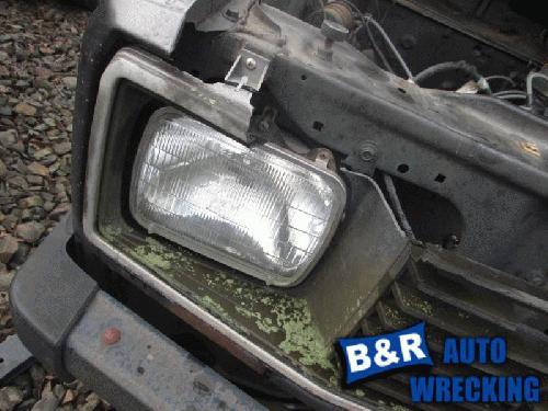 Mazda B2000 1984 Right Side Headlamp Assembly 114-58076BR NEA530