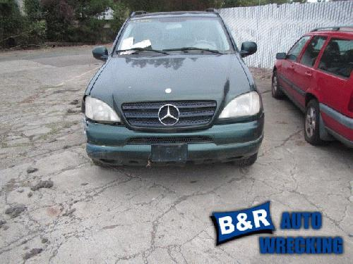 <em>Mercedes</em>-<em>Benz</em> ML320 2000