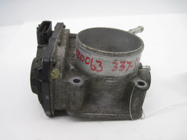 THROTTLE BODY <em>Corolla</em> Matrix 2005 05 2006 06 07 1ZZFE 22030-0D031 675459