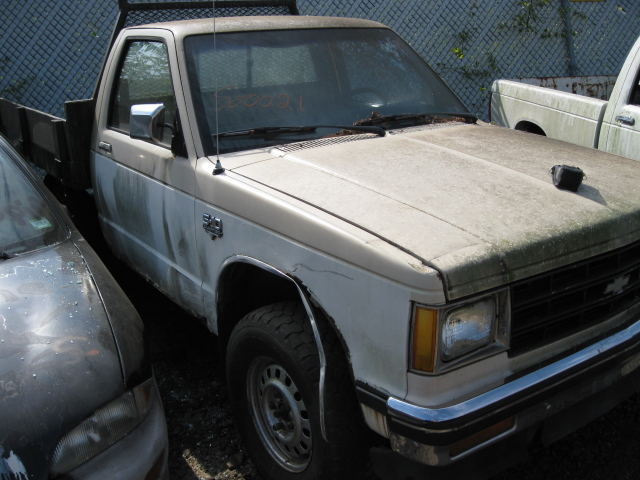 Parting out a 1984 Chevy S10 S15 Sonoma