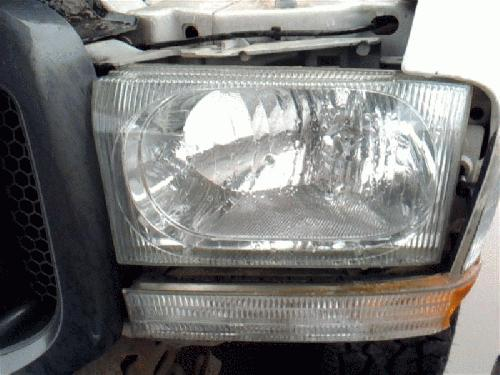 Ford F350SD 2004 Left Side Headlamp Assembly 114-00658CL EFB384