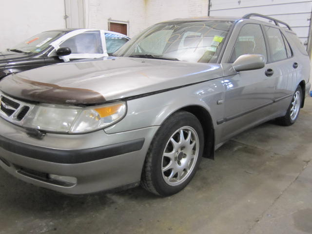 Parting out a 2001 Saab 9-5 110631