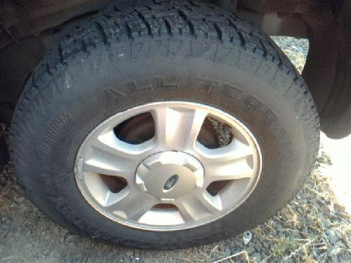 <em>Ford</em> <em>ESCAPE</em> 2001 Tire