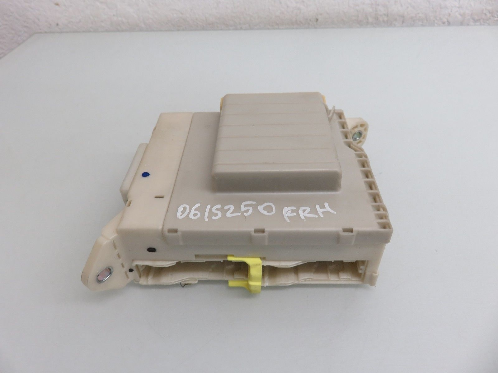 Lexus Fuse Relay Box Trusted Schematics Diagram 2005 Gs 430 Front 06 08 Is250 Is350 Interior Oem 82672 53040 For 1998 Es 300