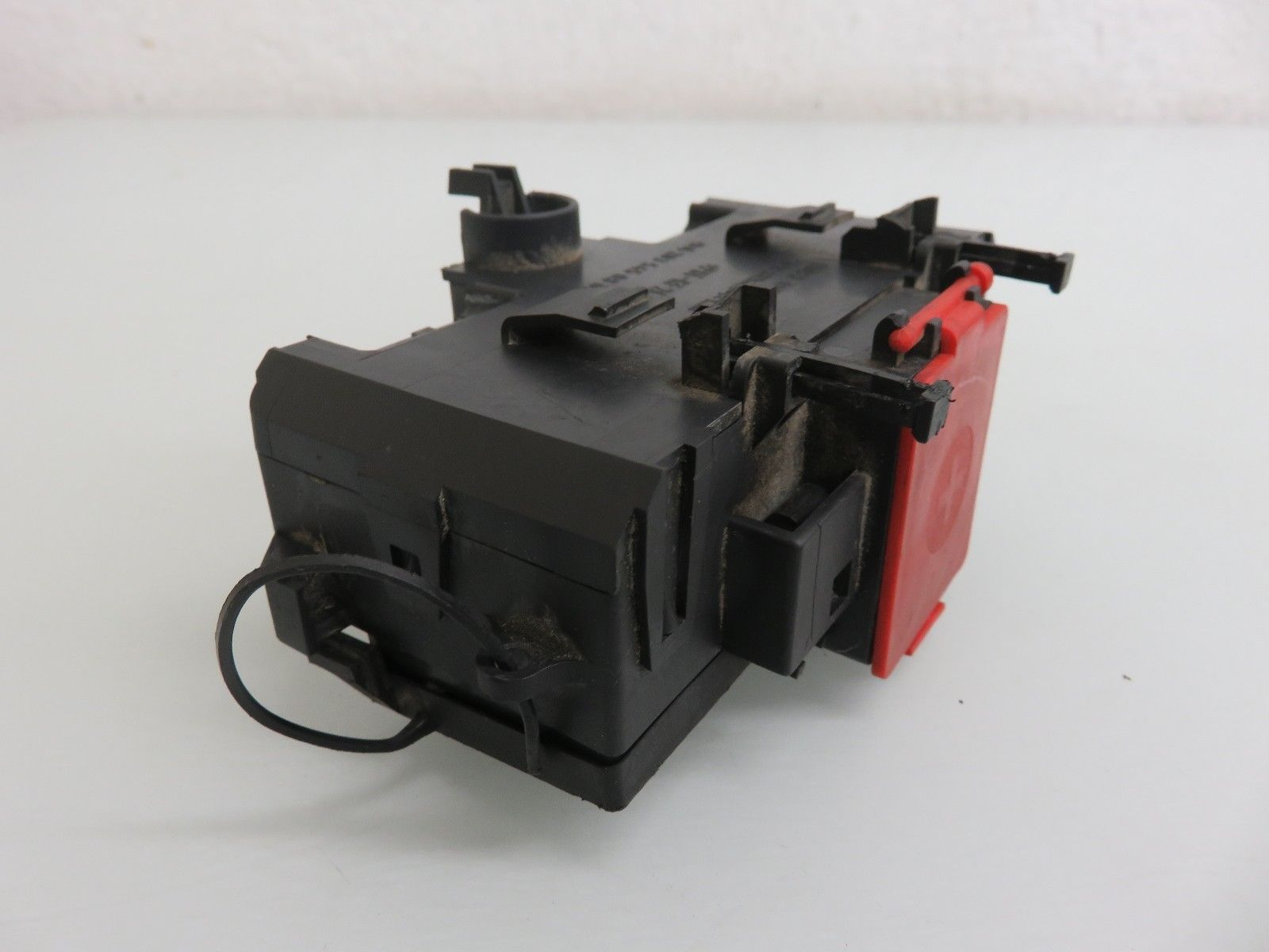 01 07 Mercedes Benz W203 C230 C240 Terminal Fuse Box Positive Negative Connector 2035450803