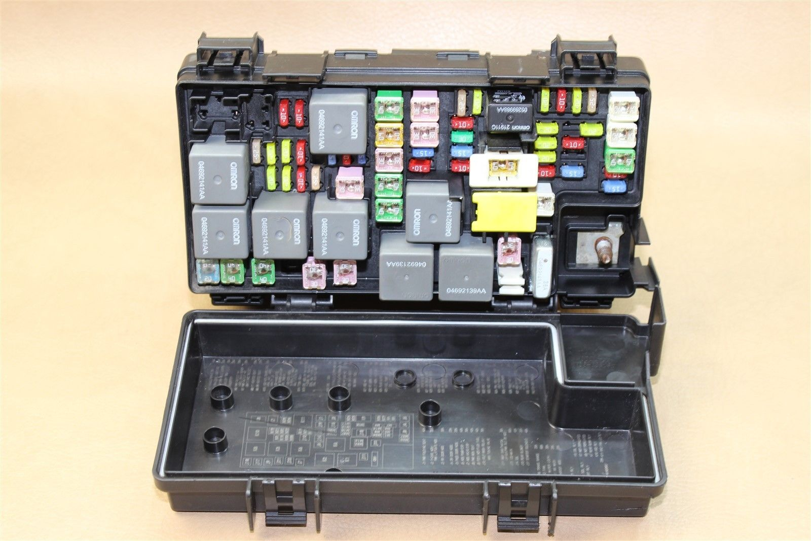 08 09 Journey Caravan Tc Tipm Temic Integrated Fuse Box Module Journeys 04692302ac Oem Does Not